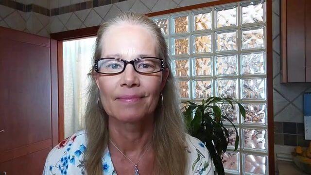 Eva M Profile Video